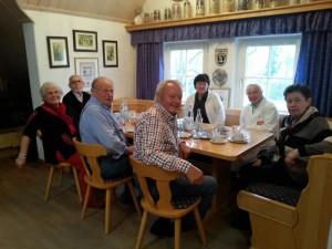 Senioren am Stammtisch in der Bürgerstube der BVO