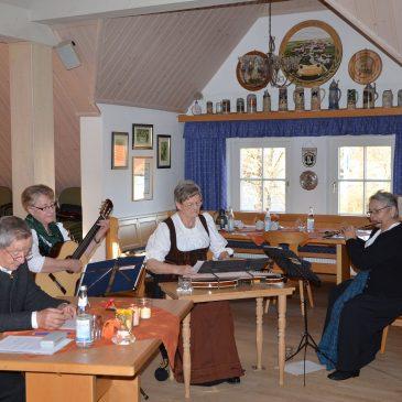 Kirchheimer Saitenmusik beim Seniorentreff am 12.11.2015