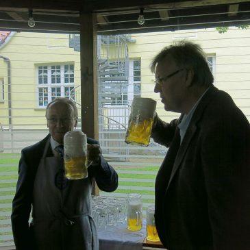 Frühschoppen – Bierstreit zwischen Ottendichl und Salmdorf ist wieder ausgebrochen