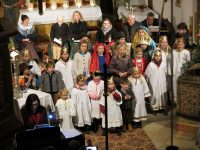 Krippenspiel Aufführung mit musikalischer Begleitung durch die Ottendichler Musici